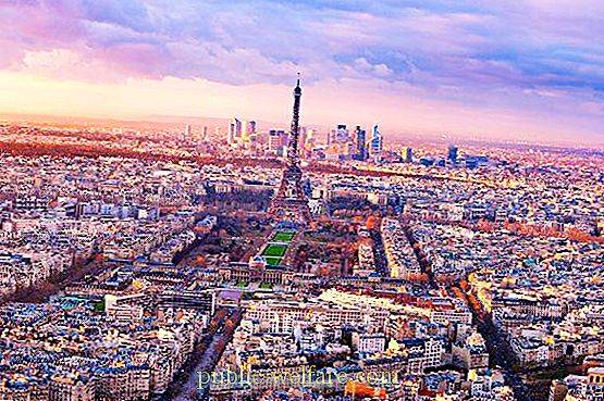 Difference with Paris in time for Moscow and another world